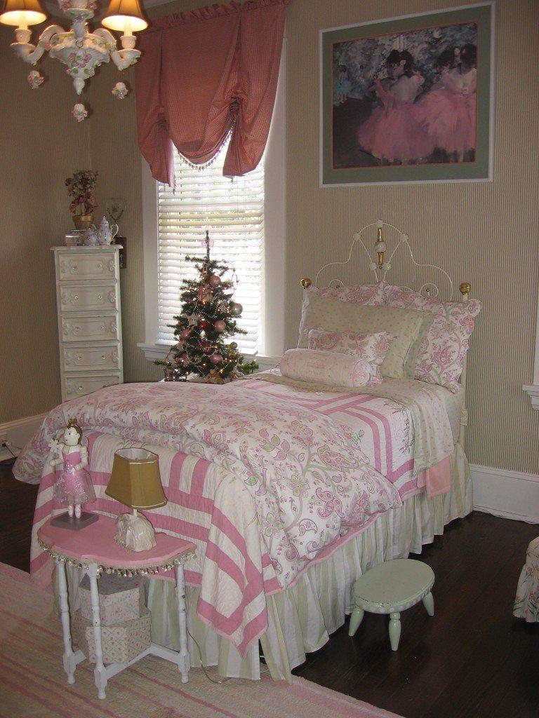 pink green little girls bedroom