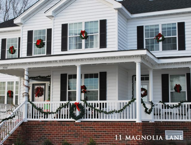 Outdoor Christmas porch decor