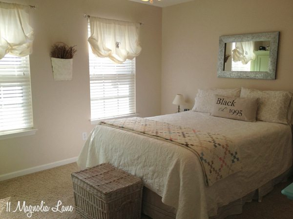 Guest room at 11 Magnolia Lane