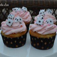 bunco-cupcakes-dice-close
