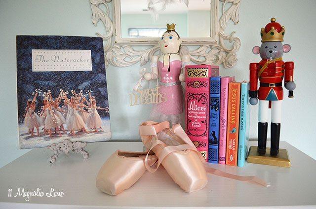 Nutcracker Ballet Christmas Decor   11 Magnolia Lane