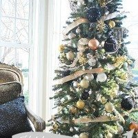 black-gold-holiday-tree-header