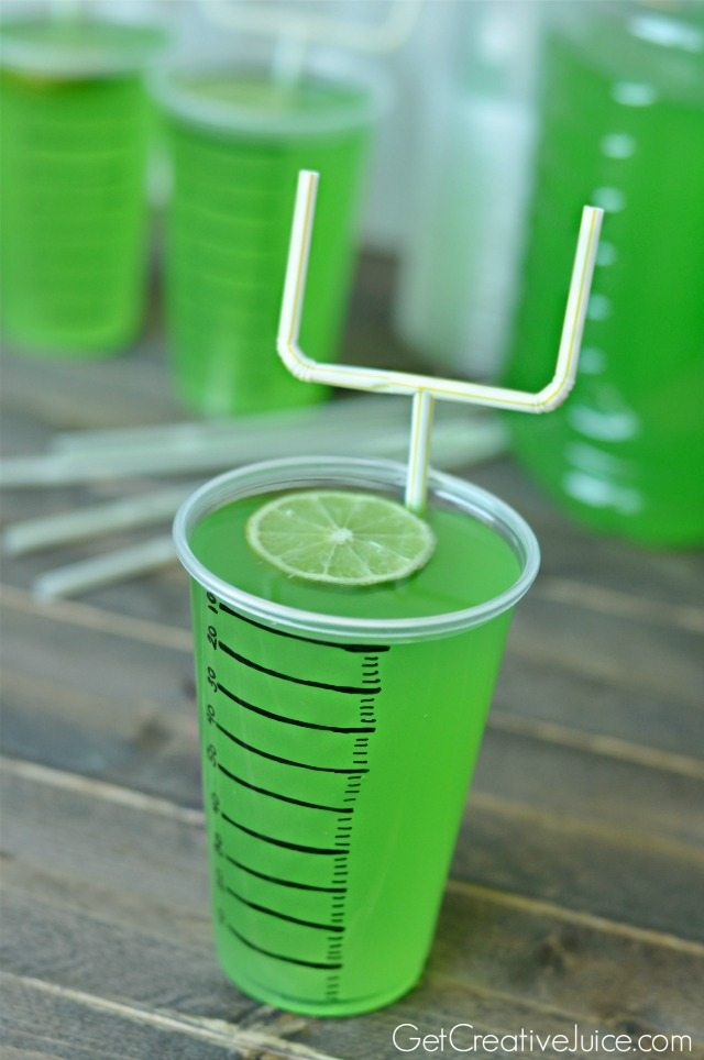 Superbowl drink cups with goalpost straws | Get Creative Juice