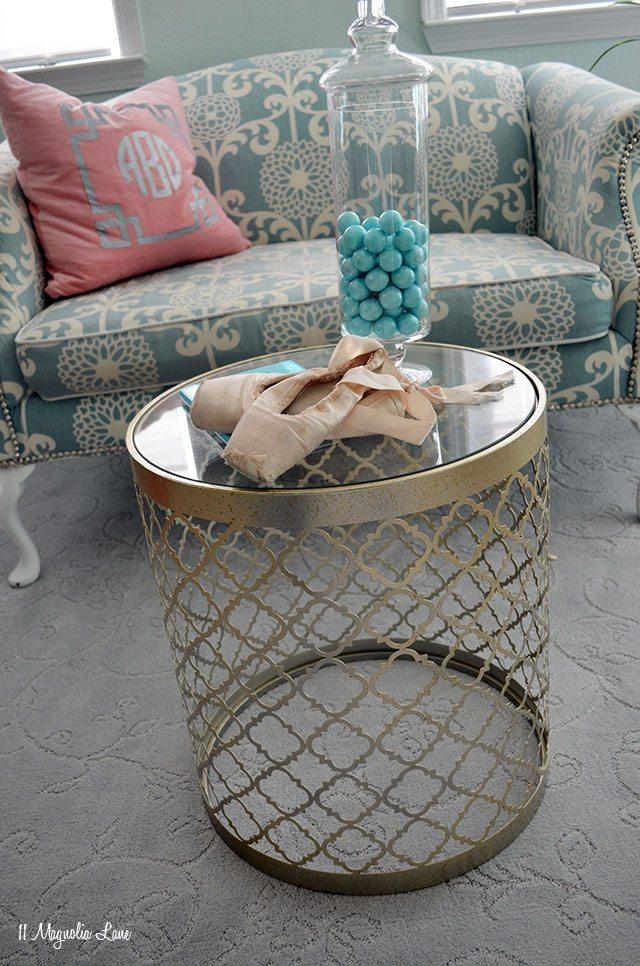 Aqua Sitting Area | 11 Magnolia Lane