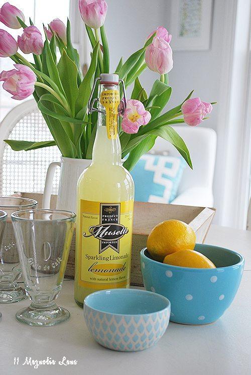 lemonade-spring-decor