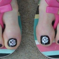 Monogrammed pedicure/toes | 11 Magnolia Lane