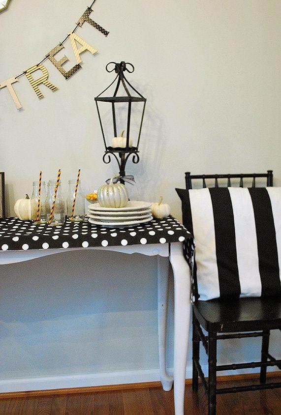 mohawk-side-tablescape-halloween