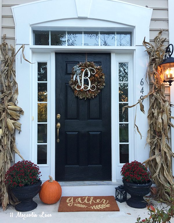 Easy, natural Fall front door and porch decor