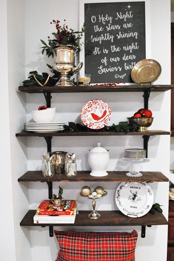 christmast-shelves-holiday-tour