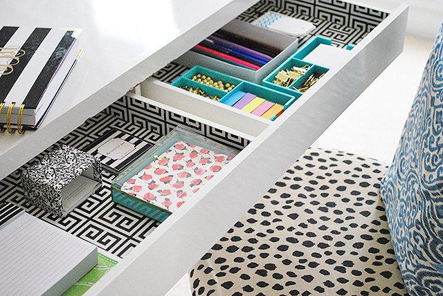 drawers-desk-operation-organization