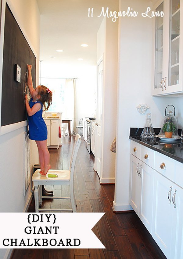 diy-large-chalkboard-in-kitchen
