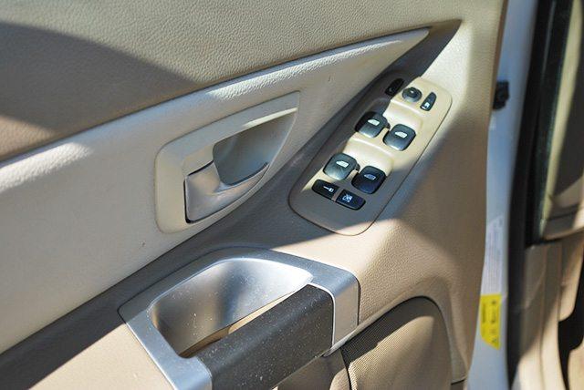 door-handle-clean