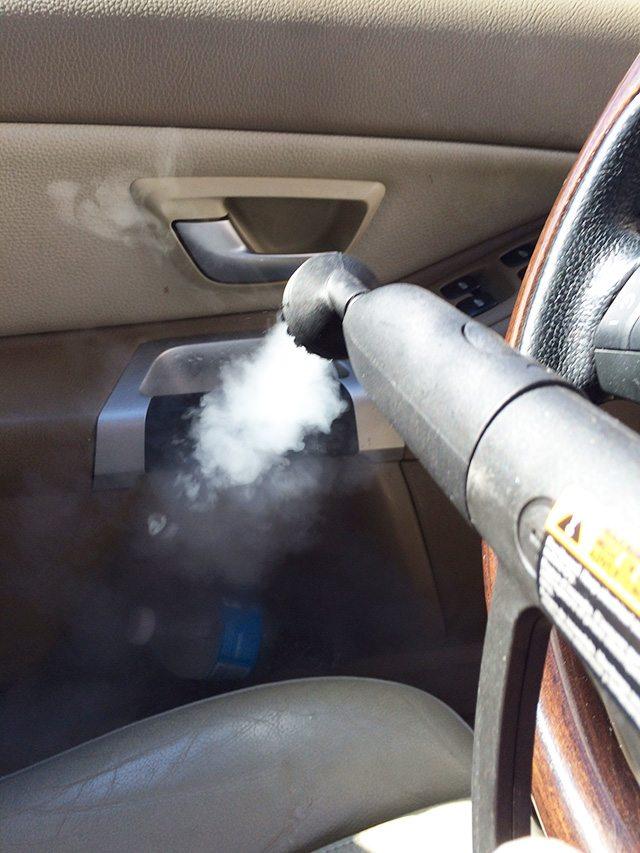steaming-door-handle
