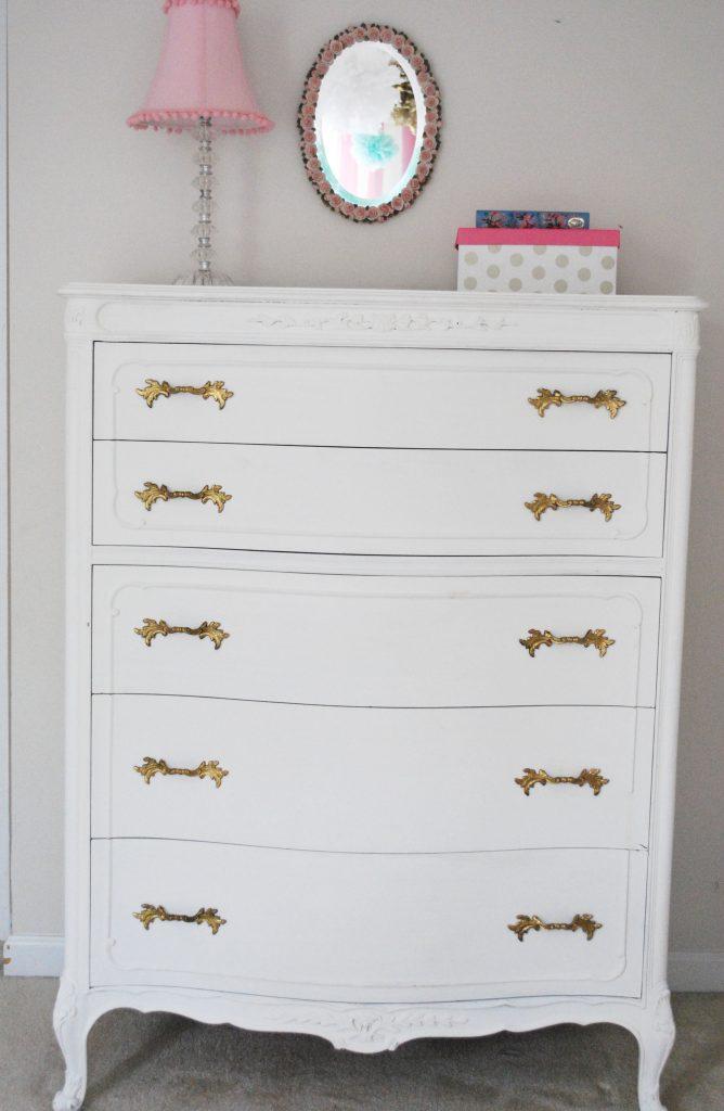 vintage-dresser-chalkpainted-gold