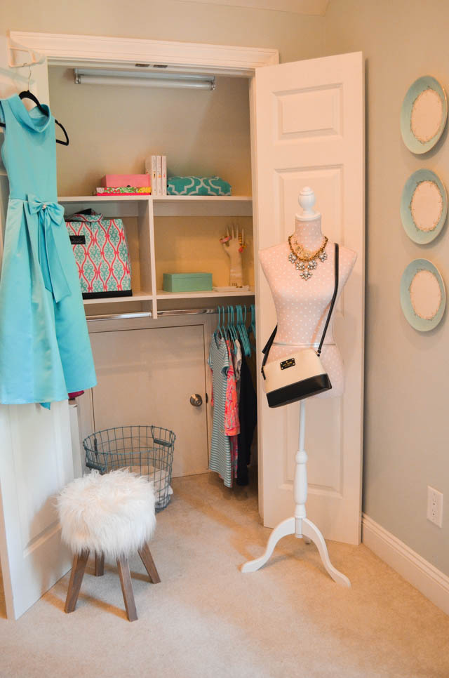 Organized closet for back to school | 11 Magnolia Lane
