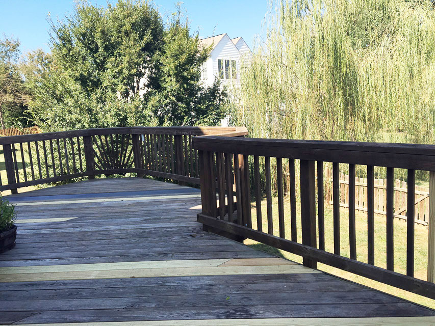 how-to-stain-your-deck-easily-with-the-right-tools-3