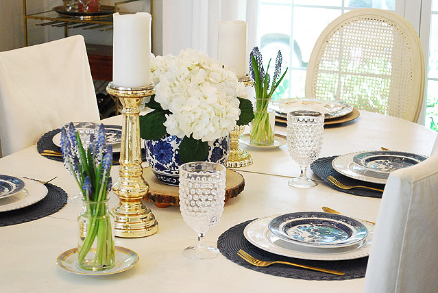 summer dining room in blue + white | 11 magnolia lane