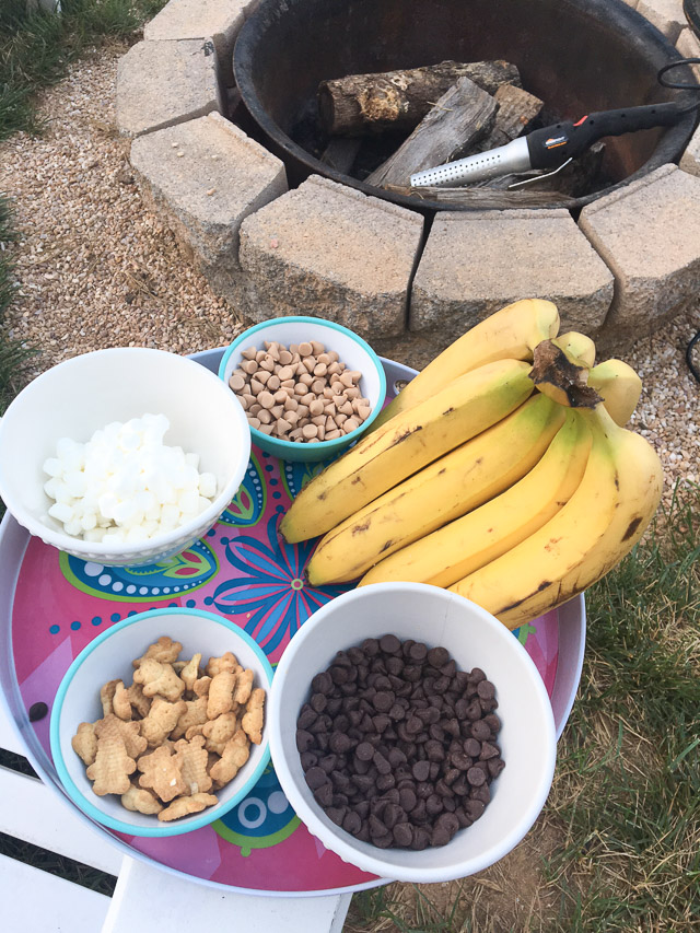 Easy Foil-Wrapped Banana Sundaes Around the FirePit {& A Giveaway}