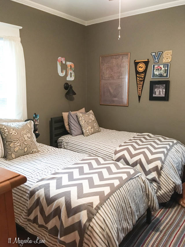 Grey teen boy bedroom